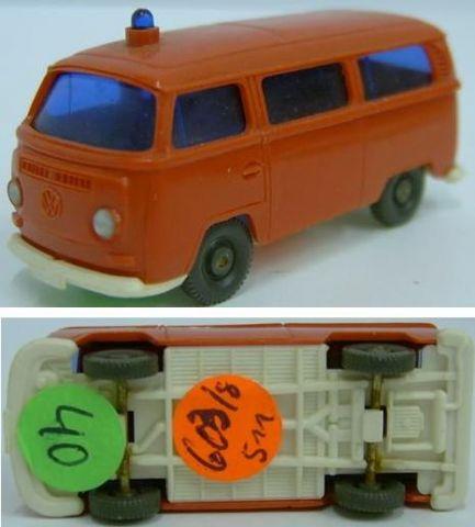 Wiking 603/8, VW Kombi T2 der Feuerwehr w 40