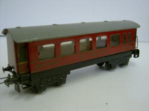 L106/ Trix Express 20/153 Speisewagen mitropa red